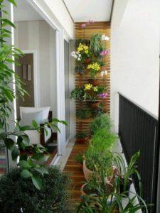 Jardín vertical en el balcón